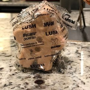 Lush Cosmetics Gingerbread Man Sparkle Jar